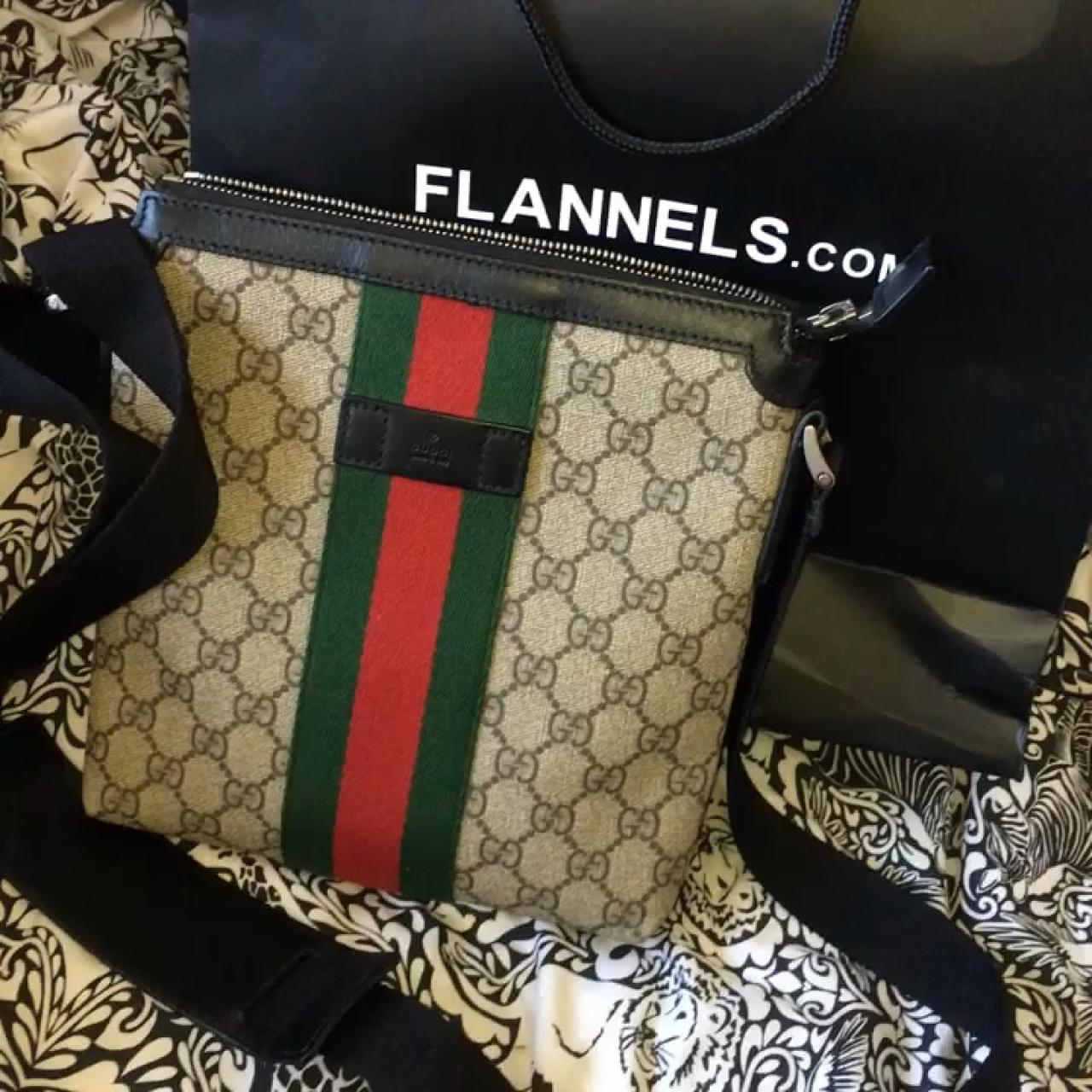 5801f499a Gucci messenger bag Bought from flannels 9/10 Condition - Depop