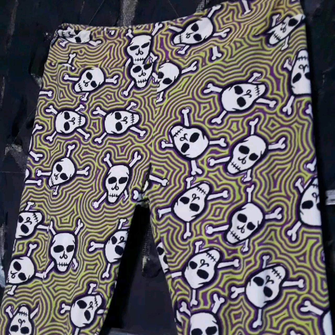 36b9ea43ceaf22 Lularoe skull leggings. Size TC tall and curvy. Super soft - Depop