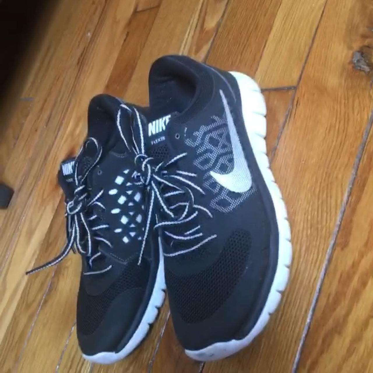 9e46f47374e8c Nike flex sneakers kids size 5y same as womens 7
