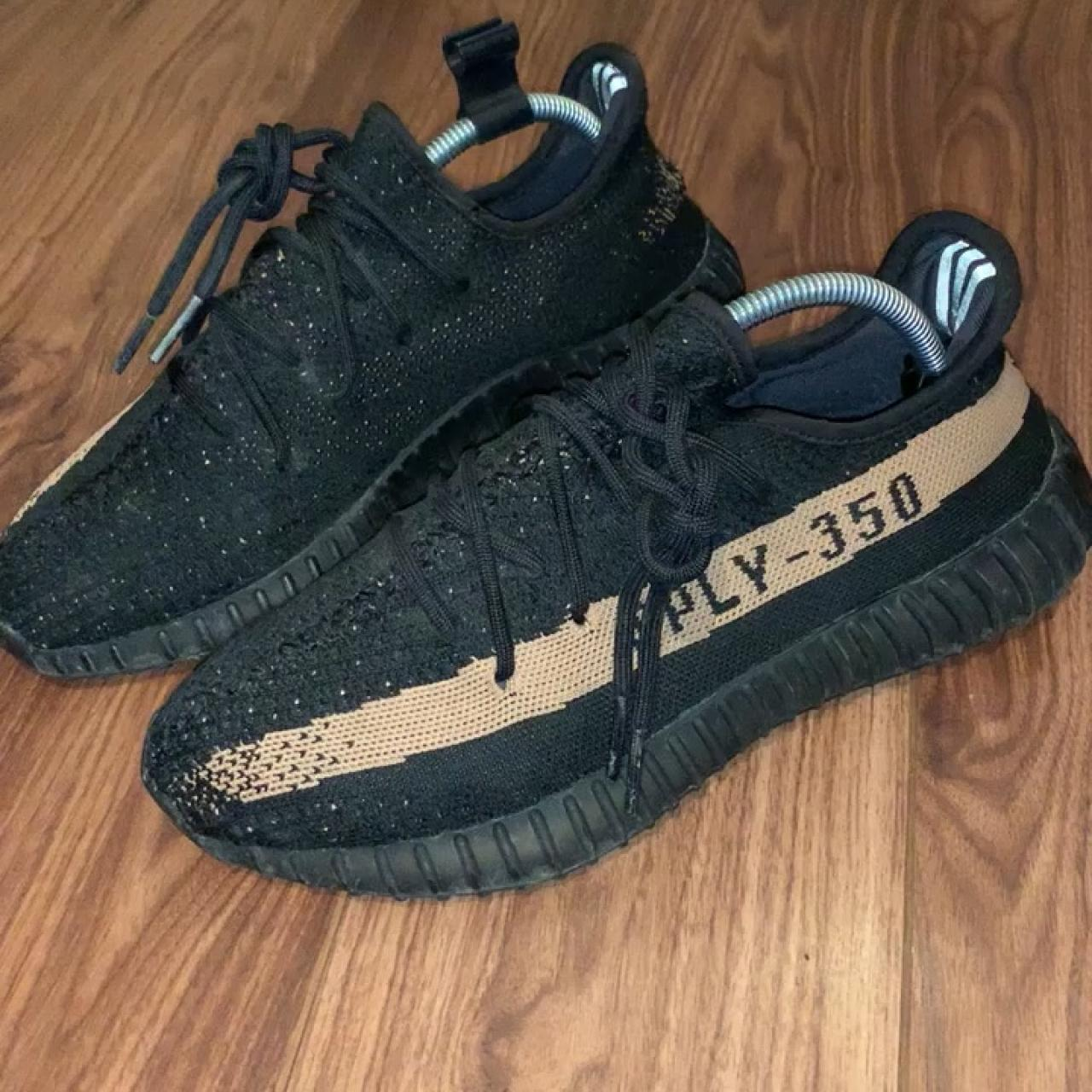 c7ba4e3e5 YEEZY 350 BOOST V2 COPPER UK SIZE 8.5 USED Small signs of on - Depop